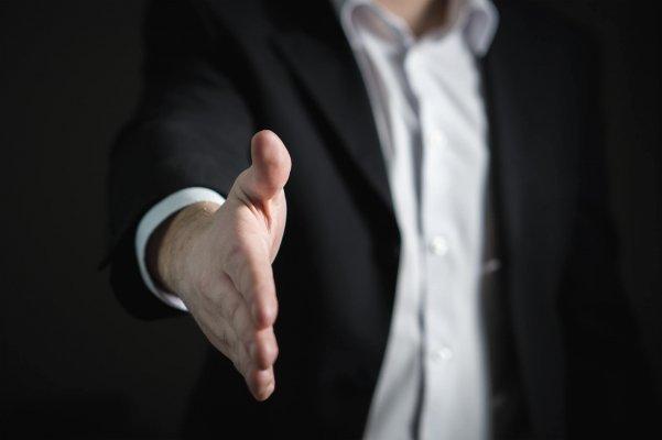 Assouplissement des politiques d'embauche américaines