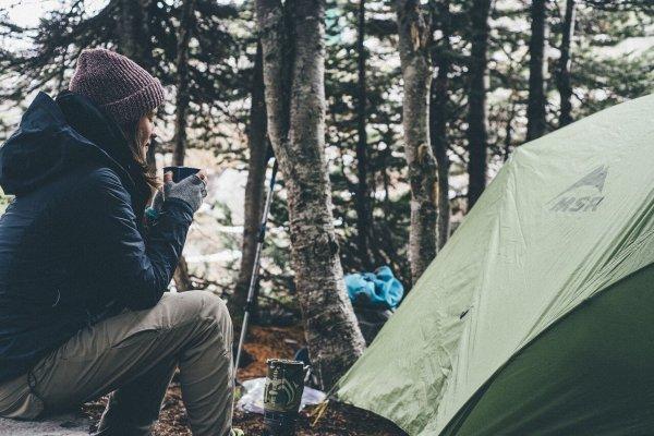 Cannabis et camping? Un mélange risqué!